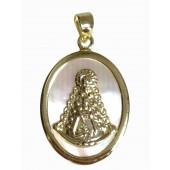 Medalla Virgen del Rocío nácar cerco plata oval chapada. Ref.180001D