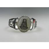 Pulsera rígida metal con baño en plata y Virgen del Rocío en plata silueta reina sobre fondo de nácar